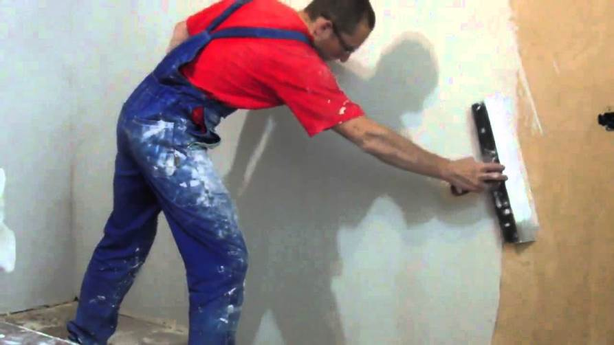 Как зашпаклевать стену своими руками